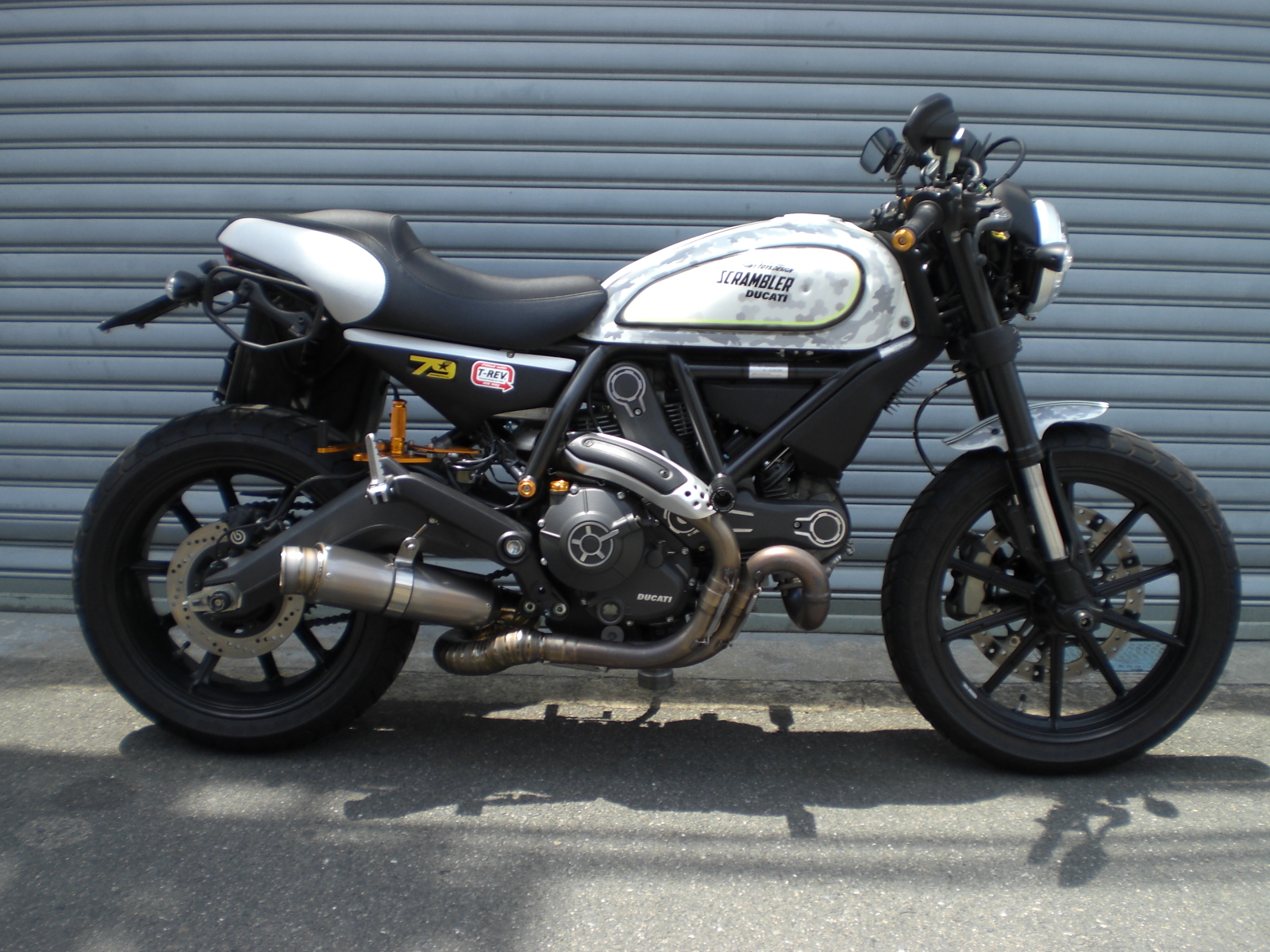 Ducati Scrambler スリップオンサイレンサー